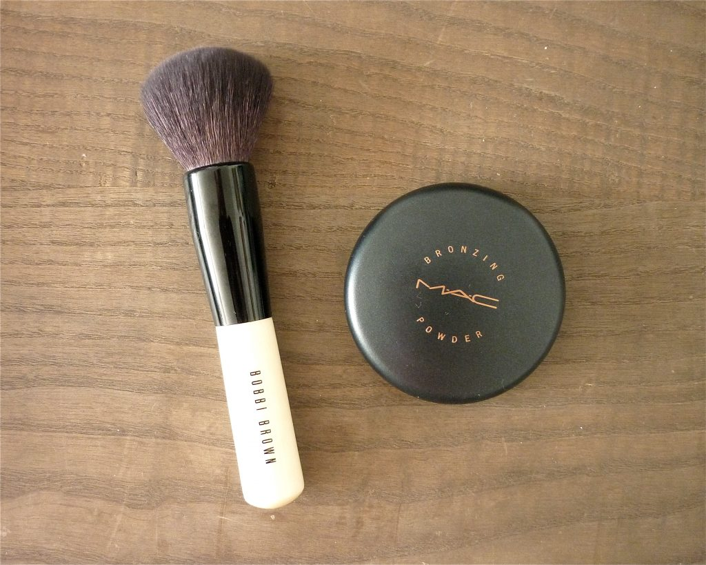 Le Bronzer Brush Bobbi Brown : le pinceau qui change tout