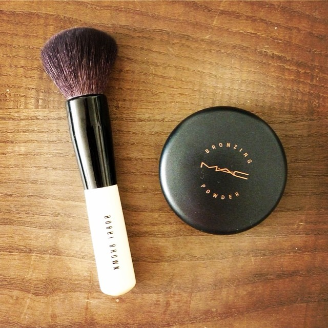 Nouvel article sur le blog | Le #bronzer #brush de #bobbibrown : le pinceau qui change tout ! #poudredesoleil #poudrebronzante #bronzingpowder #makeup