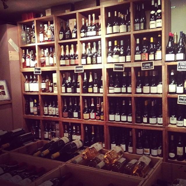 Le choix crucial à la cave du #barav ! #wine #french #paris #france ?