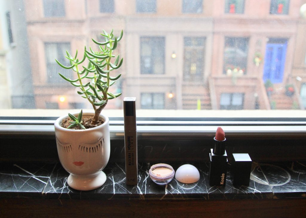 vanity beauté une beauty moonstone highlighter modern minerals kosas rosewater lipstick